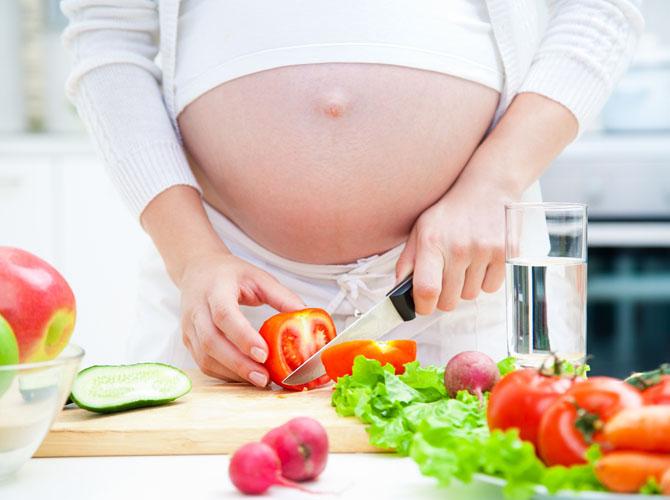 Có bầu nên ăn gì cho con thông minh từ trong bụng mẹ