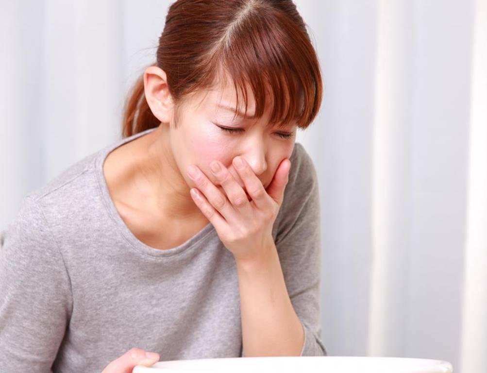 Buồn nôn: Triệu chứng này có thể xảy ra bất cứ lúc nào trong ngày ở thời kì mang thai