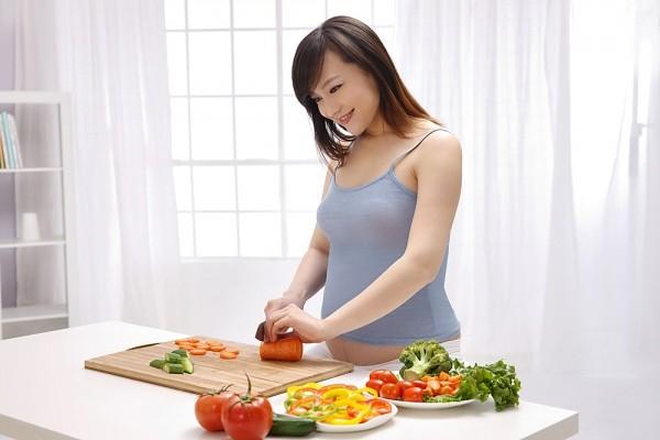 Giai đoạn thai nhi tuần 11, mẹ nên chú trọng hơn vào bữa ăn