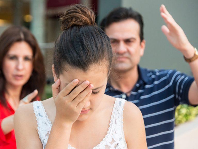 La mắng con gái tuổi dậy thì là điều không nên