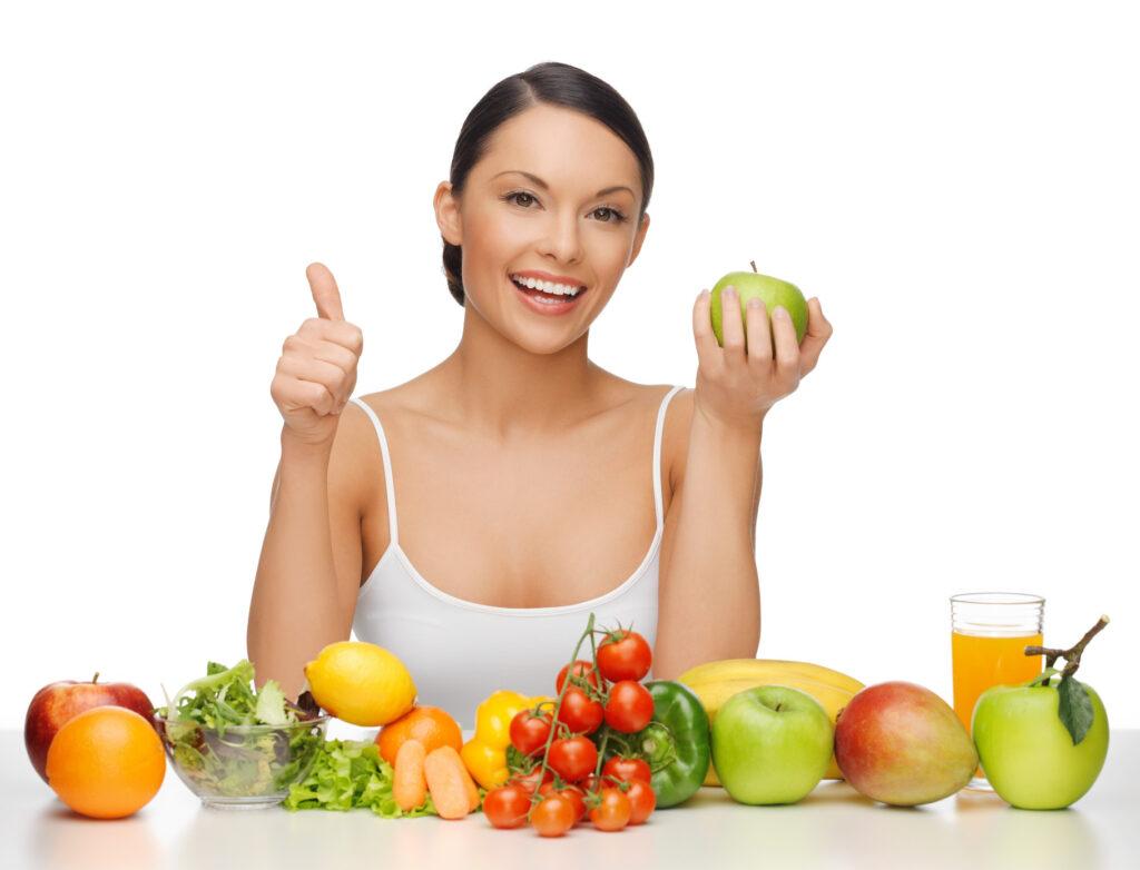Mẹ nên bổ sung trái cây hàng ngày trong các bữa ăn phụ nhé!