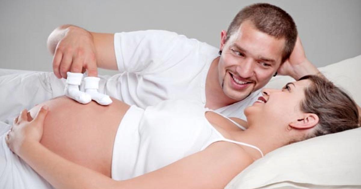 Mang thai tháng thứ 4 là giai đoạn bạn nên trò chuyện với bé nhiều hơn để kết nối với bé