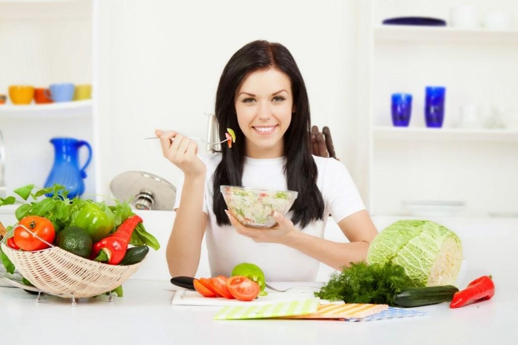 Bà bầu trở nên thèm ăn và ăn nhiều hơn trước vào giai đoạn mang thai tháng thứ 5