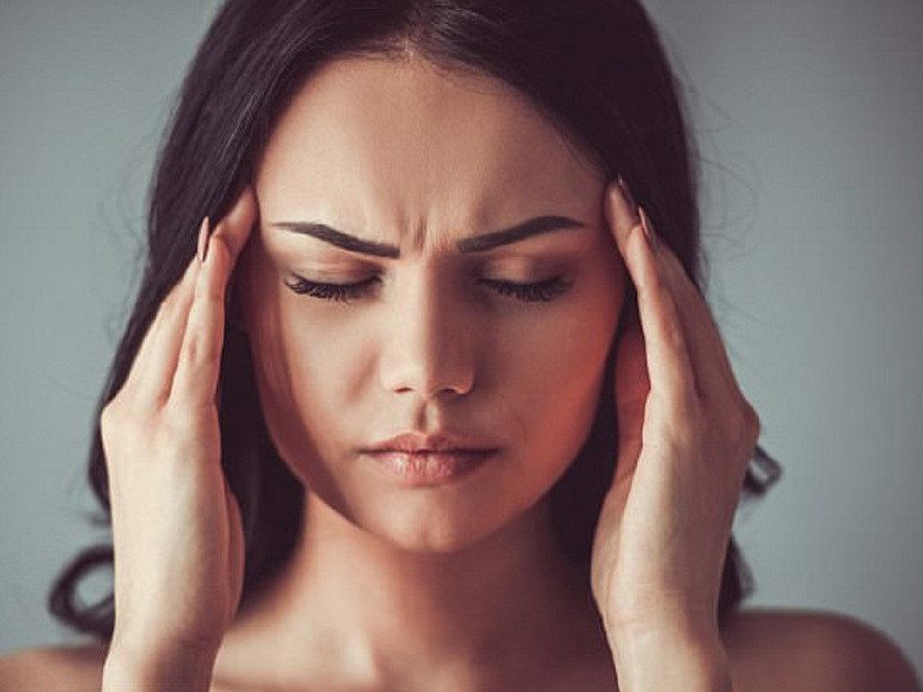 """Sự tăng """"đột biến"""" của hormone progesterone cộng với sự thiếu hụt lượng hồng cầu trong máu là nguyên nhân làm nhiều người bị đau đầu khi mang thai."""