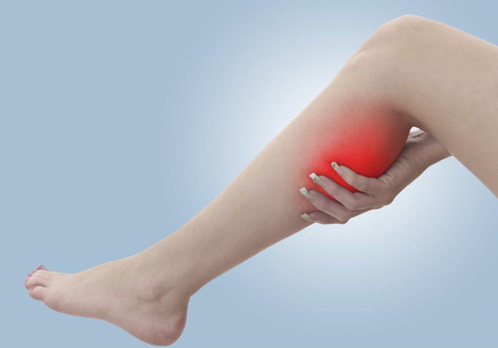 Khi mang thai tử cung bạn bị kéo dãn hơn và chèn ép các mạch máu ở phía thân dưới gây ra tình trạng chuột rút.