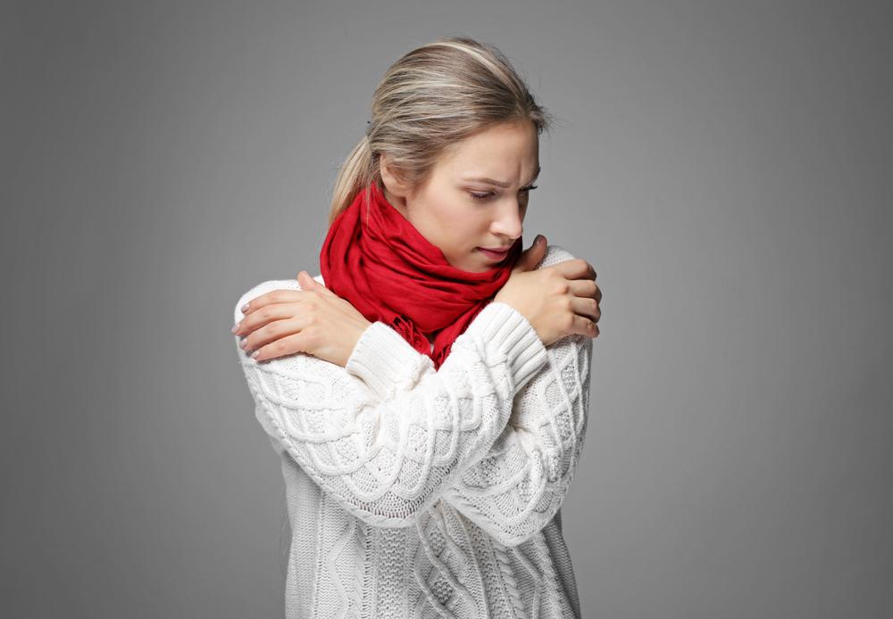 Ớn lạnh có sốt hoặc đau có thể là dấu hiệu nhiễm trùng và cần được chuyên gia y tế điều trị