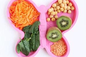 nhiều rau xanh sẽ tốt cho các trẻ bị béo phì và thừa cân
