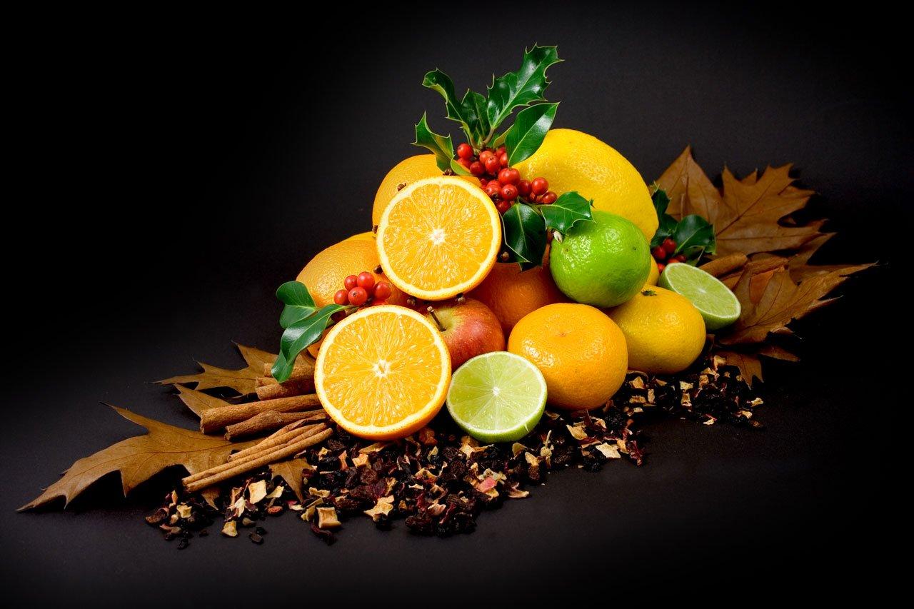 Nước ép trái cây chứa nhiều vitamin C cần thiết cho bà bầu