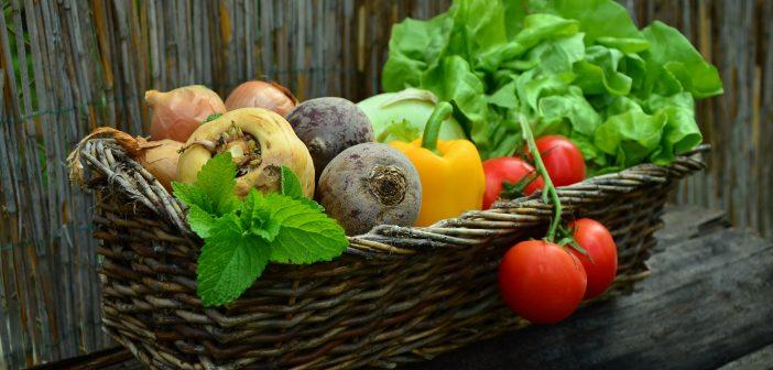 Ăn rau củ vào buổi tối giúp mẹ bầu được cung cấp nhiều vitamin, chất xơ và chất chống oxy hóa