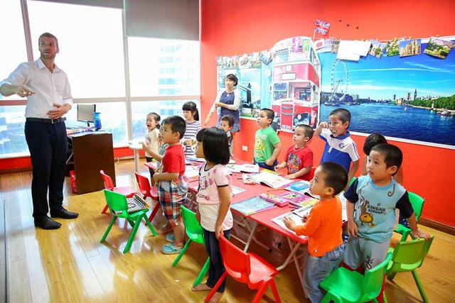 Dùng trò chơi để trẻ khám phá khoa học