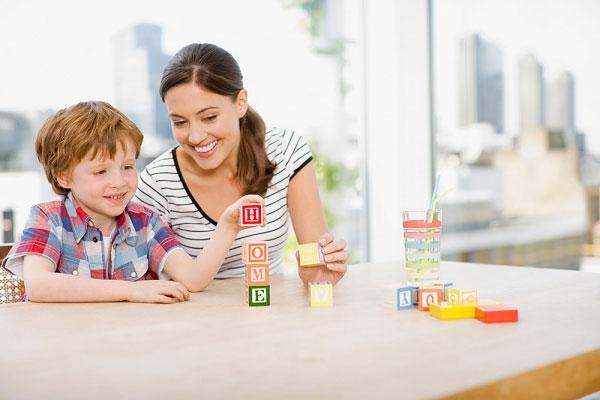 Dạy tiếng anh cho trẻ từ sớm giúp trẻ phát triển ngôn ngữ một cách linh hoạt, chuẩn xác nhất