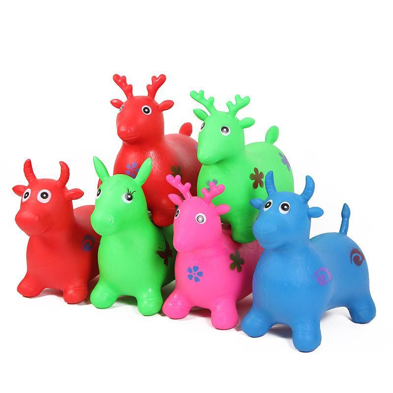 Thú nhún hoặc xe đồ chơi là một trong những loại đồ chơi vừa phát triển trí tuệ vừa giúp trẻ vận động thể chất