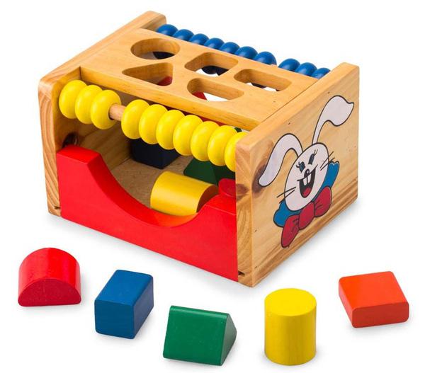 Bạn cần chọn đồ chơi xếp hình đơn giản, đúng với độ tuổi của bé