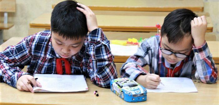 Cách dạy trẻ toán tư duy lớp 2 kích thích suy luận sáng tạo