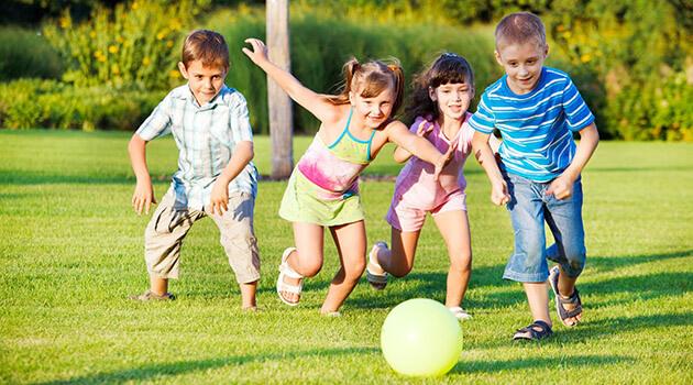 Dạy kỹ năng sống cho trẻ 4 tuổi đóng vai trò quan trọng trong sự phát triển tương lai sau này của trẻ