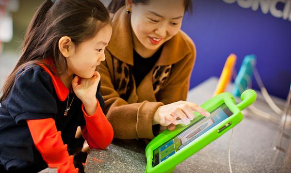 Học tiếng anh online cho trẻ em đang là phương pháp được nhiều bậc phụ huynh lựa chọn
