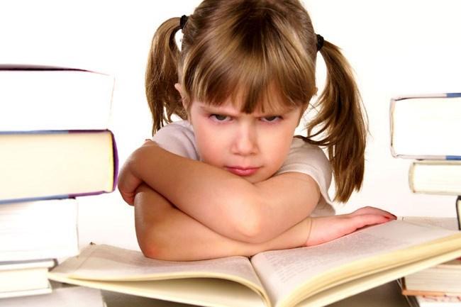 Trẻ không thích học với ngữ pháp với lý thuyết quá khô khan
