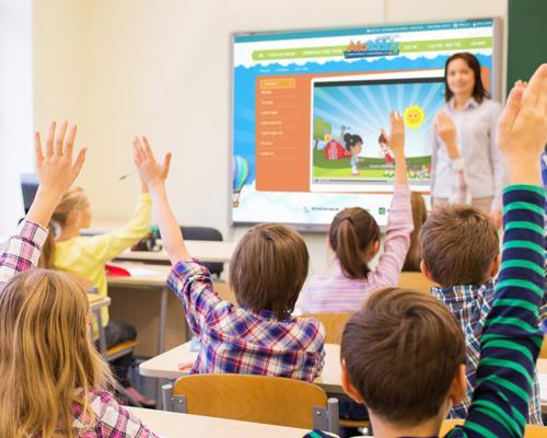 Những trung tâm tiếng anh thường có rất đông học viên trong một lớp học