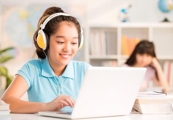Học tiếng anh trên máy tính giúp trẻ tiếp thu hiệu quả hơn