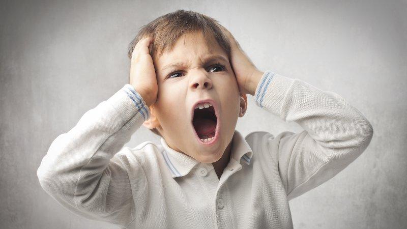Trẻ 4 tuổi bộc lộ cảm xúc rõ ràng