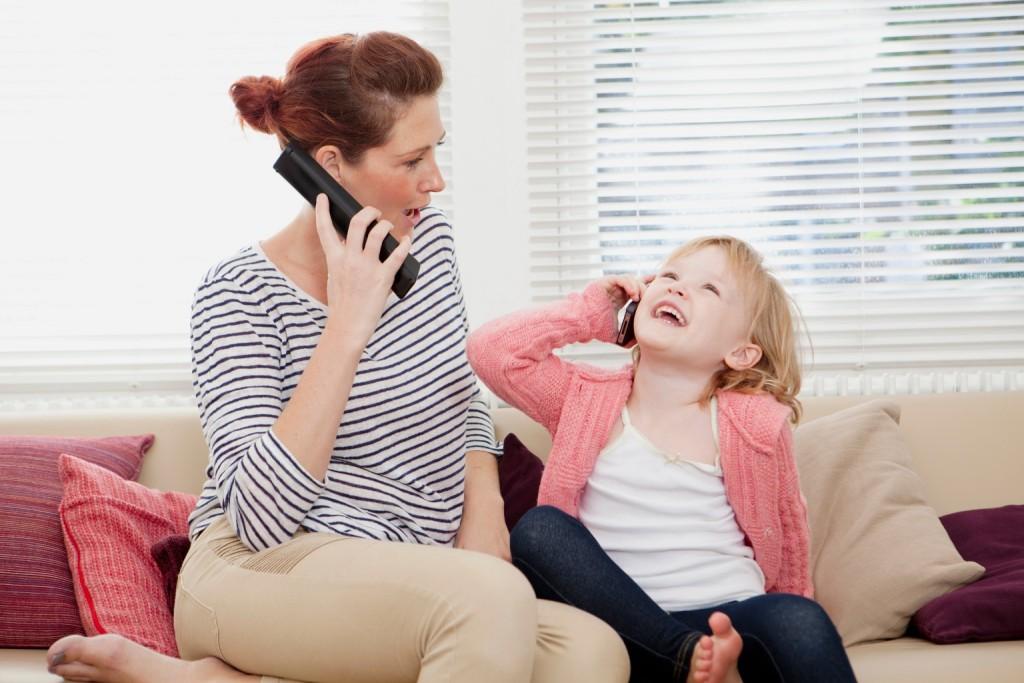 Trẻ 4 tuổi thích bắt chước hành động, lời nói của người lớn