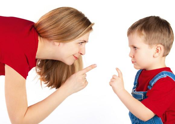 Phụ huynh cần bình tĩnh, kiên nhẫn khi trẻ tỏ ra bướng bỉnh