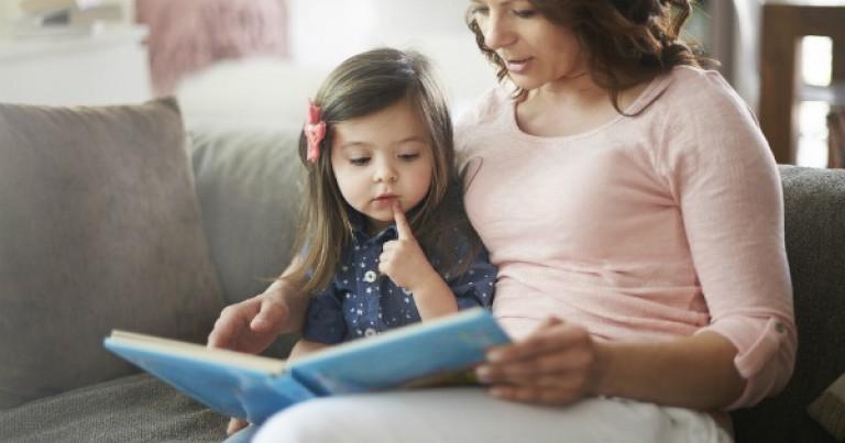 Tạo lập thói quen đọc sách tiếng anh từ bé sẽ giúp con bạn làm quen với tiếng anh một cách nhanh chóng