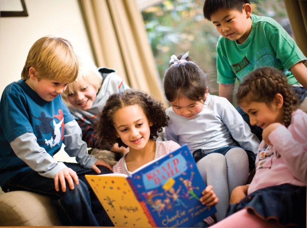 Bạn cần cân nhắc nhiều yếu tố trước khi đăng ký cho bé theo học ở trung tâm tiếng anh