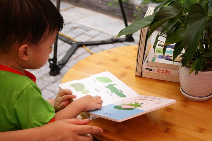 Truyện tiếng anh giúp các bé nâng cao trí trí tượng tượng và vốn từ vựng tiếng anh