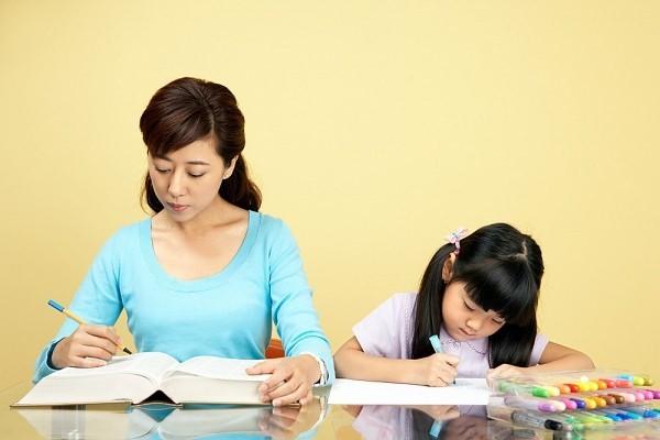 Trong quá trình làm bài tập tiếng anh lớp 4, cần sắp xếp thời gian học vừa đủ với khả năng của trẻ