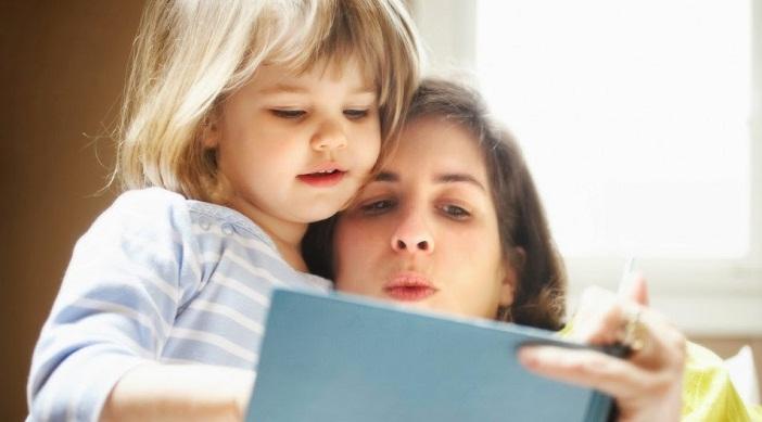 Cha mẹ chính là một trong những yếu tố quan trọng giúp con có phương pháp học tập đúng đắn