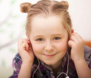 Âm nhạc có giá trị rất lớn trong quá trình học tiếng anh của trẻ