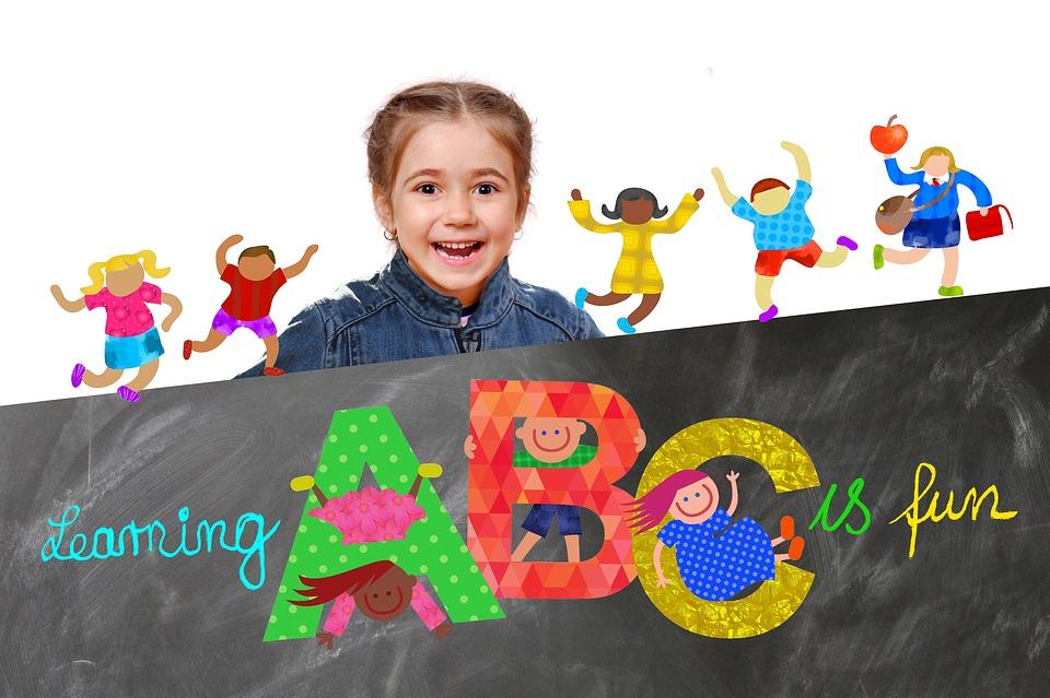 Vì sao nên cho trẻ học tiếng Anh sớm? Vì trẻ nhỏ tiếp thu ngôn ngữ bằng bản năng
