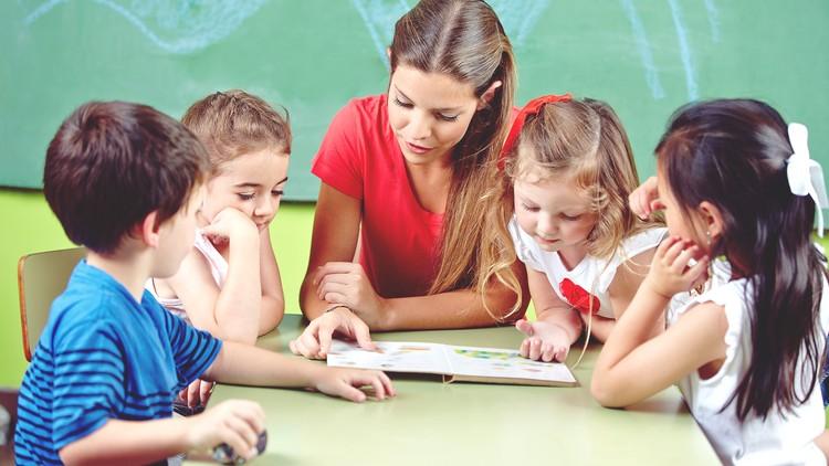 Trẻ em học tiếng Anh nên chọn môi trường giàu tính tương tác để bé không ngần ngại học hỏi