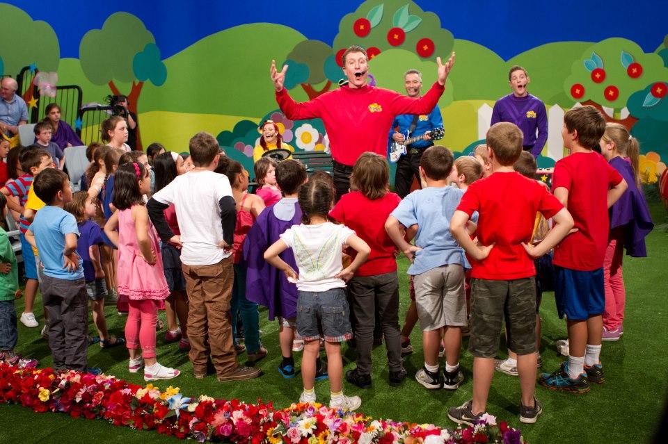 Trò Simon Says giúp trẻ nghe và phản xạ tốt với tiếng Anh