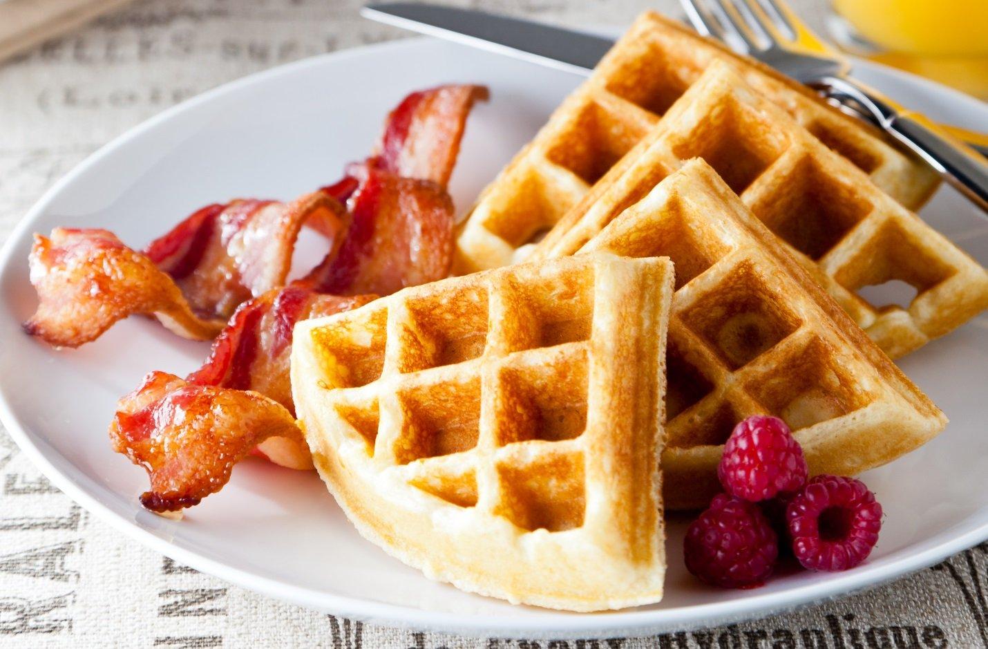Bánh waffle không chứa quá nhiều tinh bột nên phù hợp với chế độ dinh dưỡng bà bầu