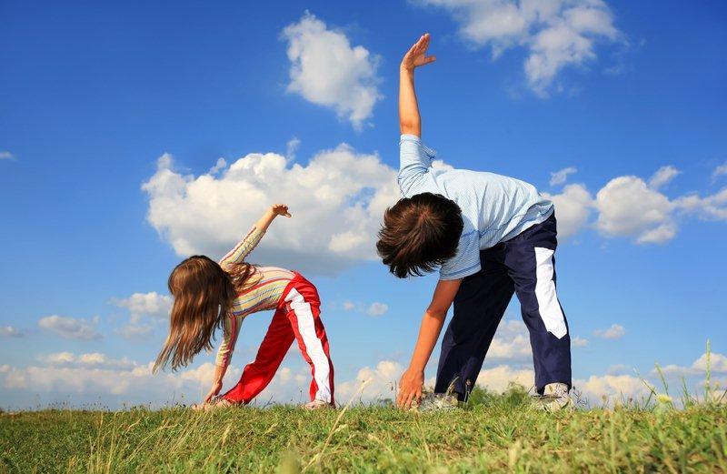 Trẻ vận động thể chất giúp sức khỏe tốt hơn và tăng khả năng tập trung