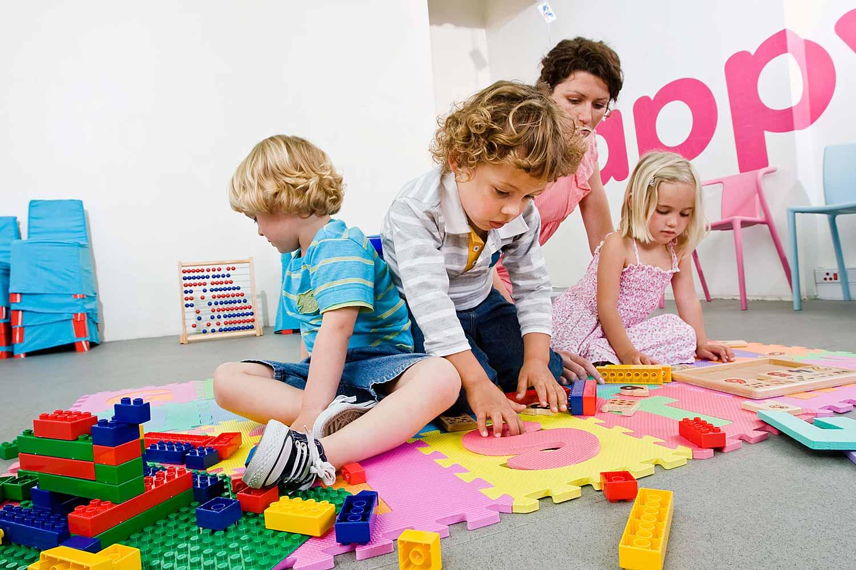 Trẻ cần rèn khả năng tập trung ngay từ nhỏ dù là học hay chơi trò chơi