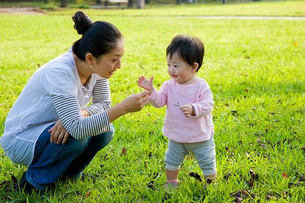 Người Nhật thường để con đi bộ và vận động nhiều