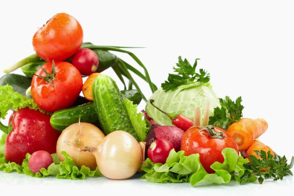 Bạn cần xay nhuyễn và lọc kỹ vỏ hạt khi chế biến rau quả cho bé để tránh trẻ bị hóc, nghẹn