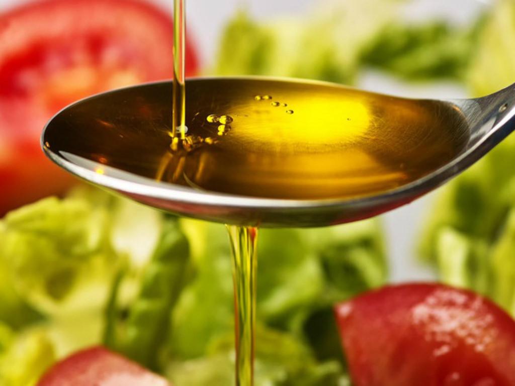 Không nên cho trẻ nhỏ ăn quá 40g dầu/mỡ mỗi ngày