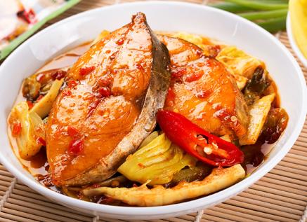 Món cá kho thơm kích thích vị giác của bé, giúp bé ăn ngon hơn