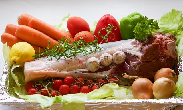 Cháo ăn dặm cần đầy đủ dưỡng chất trong mỗi bữa ăn