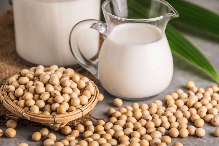 Một ly sữa đậu nành cung cấp đến 300mg canxi