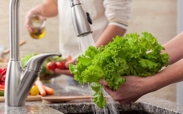 Chú ý cẩn trọng trong khâu chế biến món ăn cho trẻ