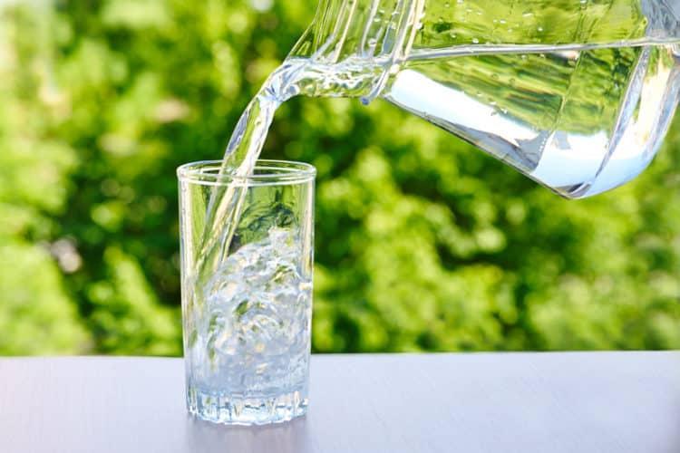 Trẻ 6 tuổi cần ít nhất 1,5 lít nước mỗi ngày