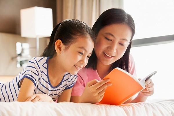 Nếu có nhiều thời gian, bạn có thể cho bé học tiếng anh tại nhà