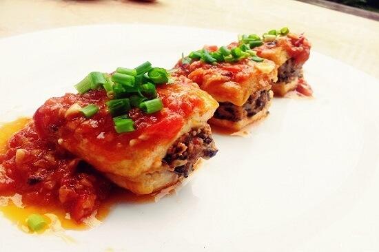 Hamburger đậu hũ và thịt băm