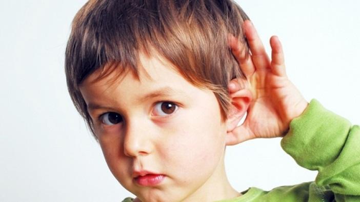 Xem biểu hiện của trẻ để biết con có bị chậm phát triển ngôn ngữ không
