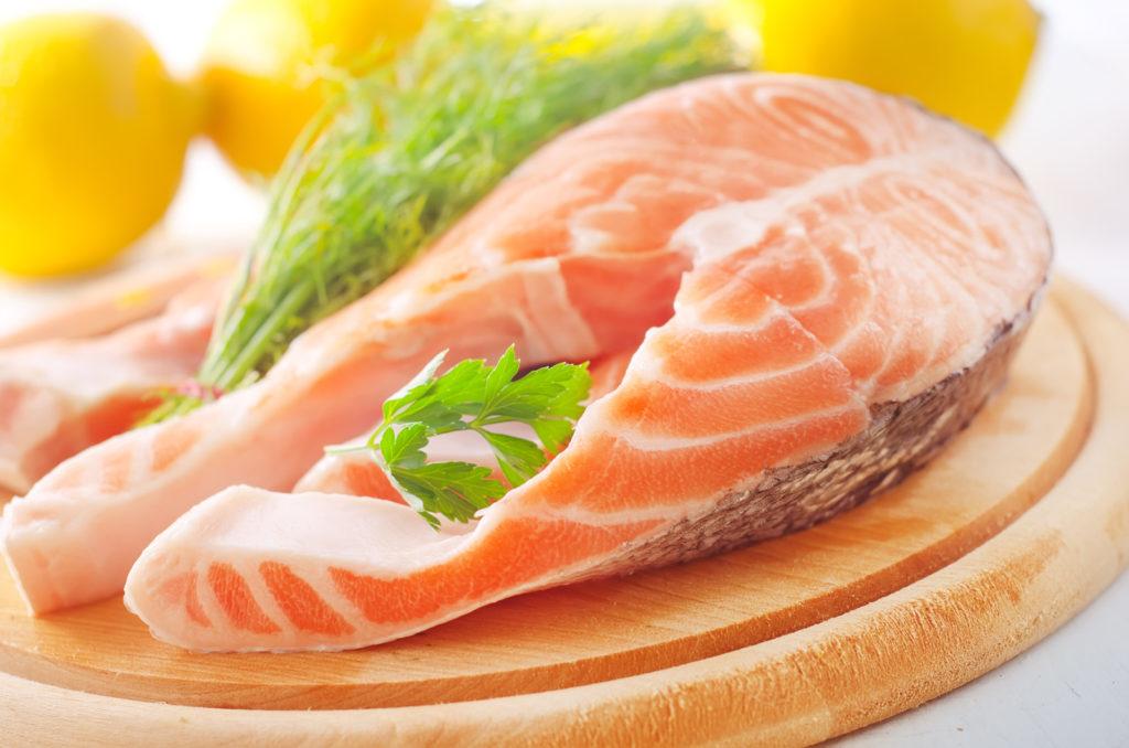 cá nên được bổ sung trong chế độ dinh dưỡng cho bé